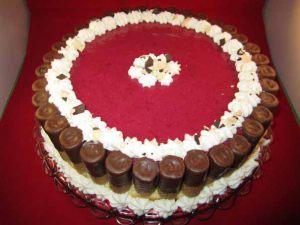 Erdbeer_Waffelroellchen_Torte_1